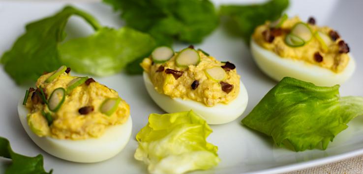 Plnené vajcia s tresčou pečeňou