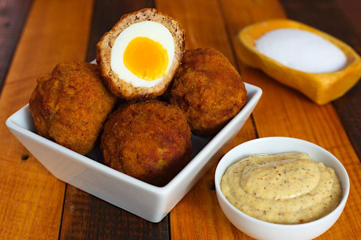 Škótske vajcia s omáčkou