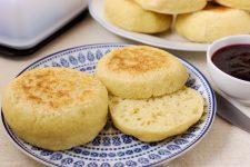 Anglické muffiny na tanieri